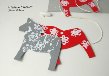 14-dala-horse-bookmark