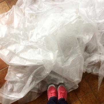 Pour la fabrication des méduses nous avons utilisé de la mousse de protection récupérée dans un magasin de meubles