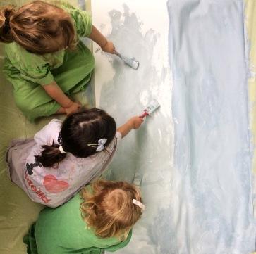 5 très jeunes enfants peinture
